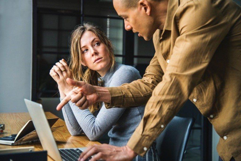 Life coaching online - Online life coaching - Life coaching online - Linkedin vs CV